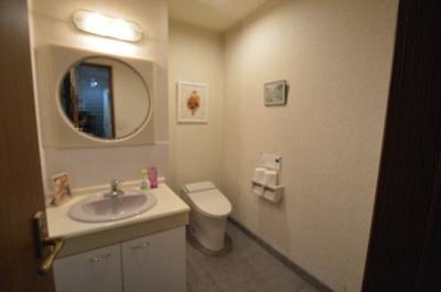 東棟 2階トイレ
