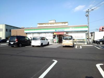 ファミリーマート久留米山川店まで260m