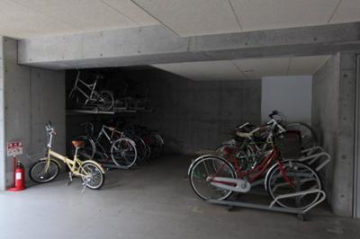 駐輪場 ※参考写真
