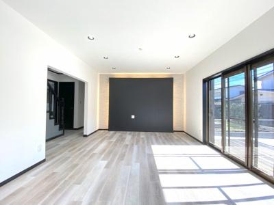 【居間・リビング】土地約57坪!フルリフォーム/瀬谷区本郷3丁目