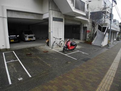 【駐車場】ヴィライズミ
