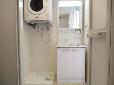 洗面化粧台・ガス衣類乾燥機・室内洗濯機置き場