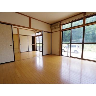 【居間・リビング】神畑住宅