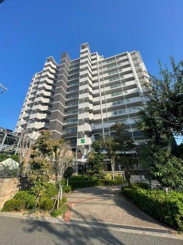 南海本線「堺駅」最寄りの平成22年築の築浅マンションです、小学校や中学校も近くにございますので通勤・通学共に安心な物件です。