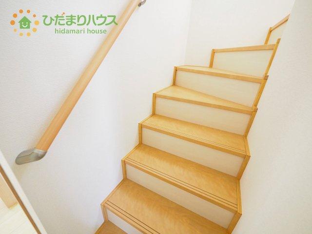 バリアフリーにこだわった、手すり付き階段☆彡