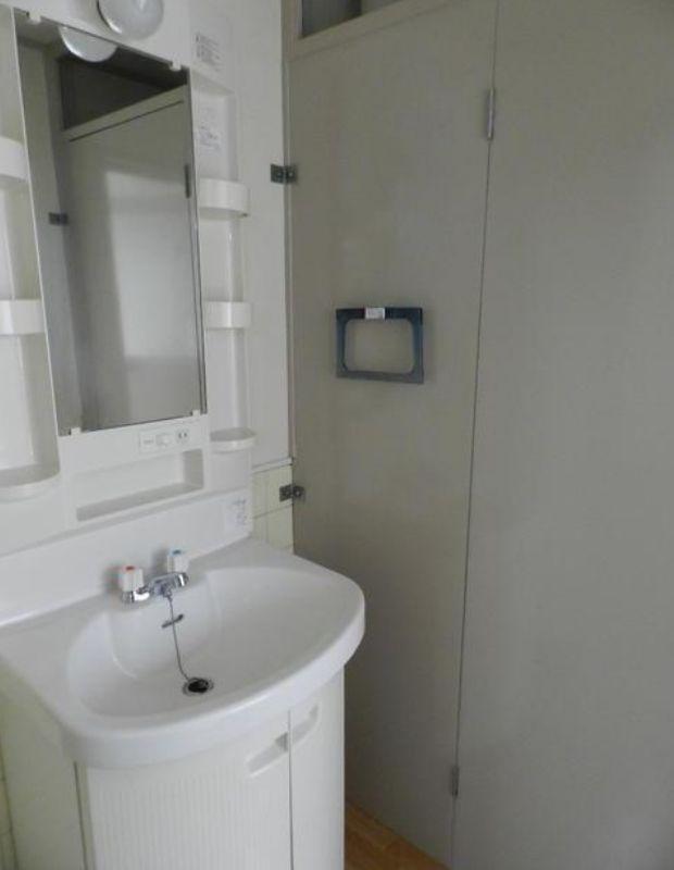 洗面台です。(※別室写真参照)