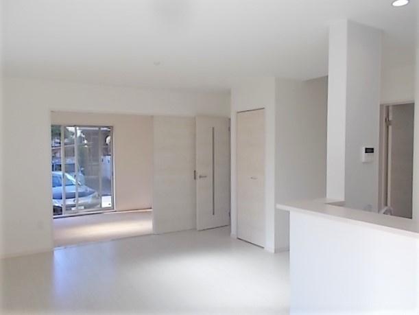 洗いあがりがキレイな食器洗い乾燥機付き♪家事の時短にもつながります!節水にも効果アリ♪手荒れ防止にも