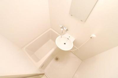 浴室乾燥機付きで雨の日でもバッチリお洗濯♪