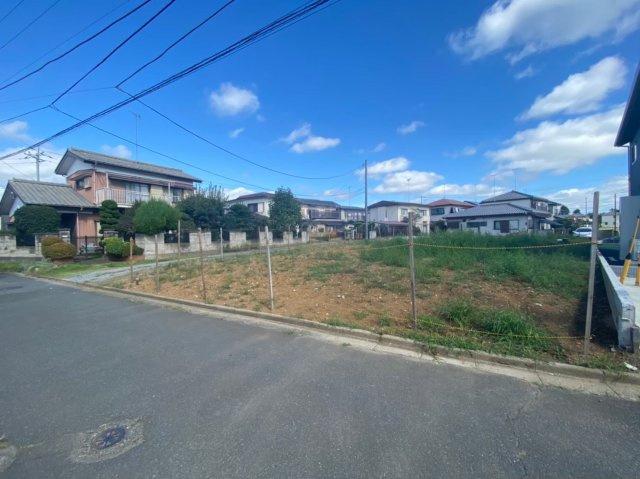 ケイアイの土地は造成不要なのでスグに着工することができます!広々とした敷地は駐車ペースの確保し、部屋を広く利用することができます。