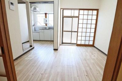 【居間・リビング】西三国3-9-19貸家