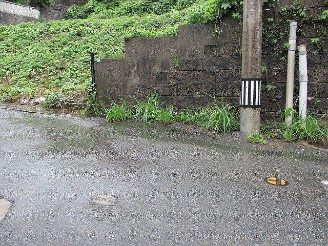 【前面道路含む現地写真】東区多々良2丁目土地