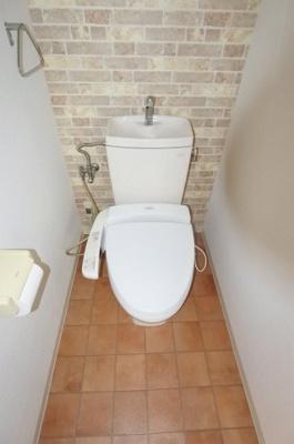 【トイレ】ソレイユ白鳩
