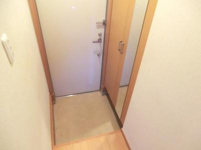 ☆広めの玄関スペース・トールタイプのシューズボックス付きです。☆