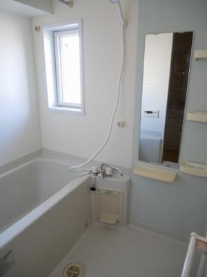 【浴室】イリーデ・ソレイユA