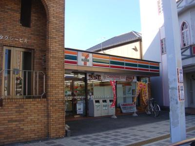 セブンイレブン本庄南口店まで586m