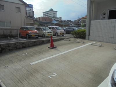 【駐車場】ルナカサトリ(LUNA KASATORI)
