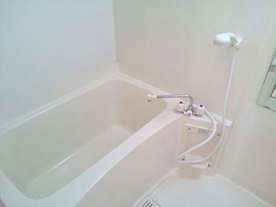 ゆったり過ごせるお風呂です