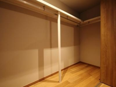 洋室(6.9帖)内クローゼット