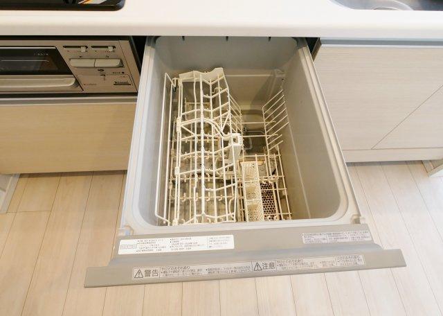 食後の片づけに便利な食器洗乾燥機