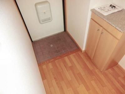 ☆広めの玄関スペース・シューズボックスあり☆別号室参考写真
