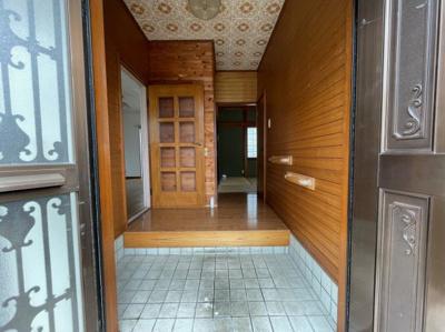 【玄関】王塚台5丁目戸建