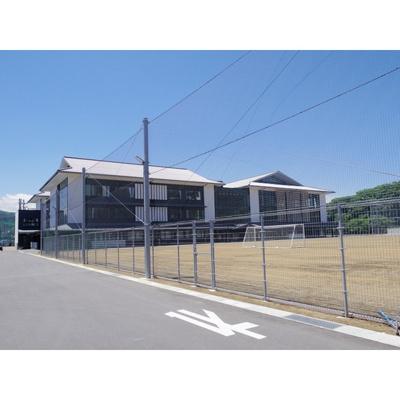 中学校「上田市立第二中学校まで1176m」