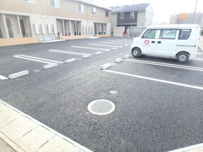 【駐車場】ナチュール向中野