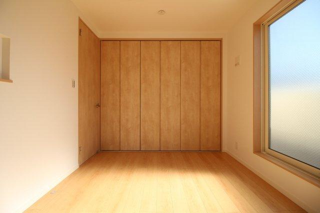 全居室収納付き!明るい居室です♪ (当社施工例)