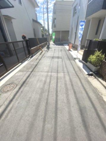 【前面道路含む現地写真】大田区羽田 新築