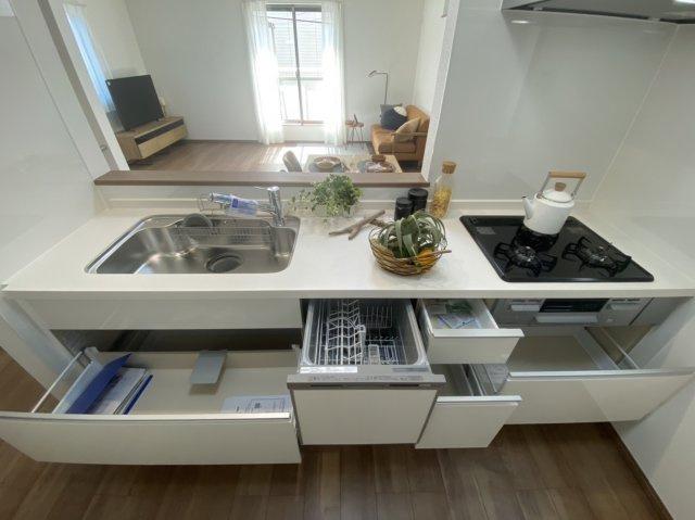 食洗器付きのシステムキッチン♪