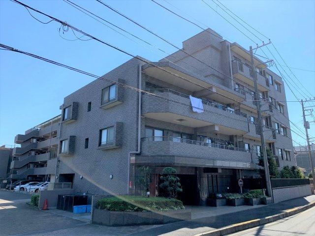 南向きの2階部分にて陽当り・通風良好 大切なペットと一緒に暮らせます 各住戸専用トランクルーム付き 住宅ローン減税適合物件