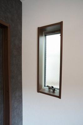 コンパクトなお風呂ですが、追い炊き機能・浴室乾燥機能付きです。 ※退去前の為、新築時の写真を使用しております。