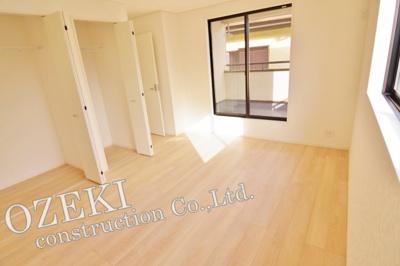 2階洋室は全居室2面採光の明るいお部屋♪