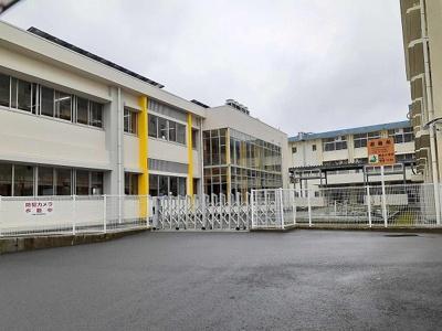 稲生小学校まで850m