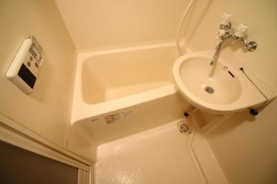 【浴室】ラグジュアリーアパートメント・デュオ神楽坂