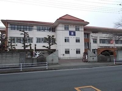 桜小学校まで180m