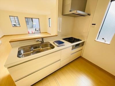 【キッチン】足立区神明3丁目新築戸建て【全3棟】