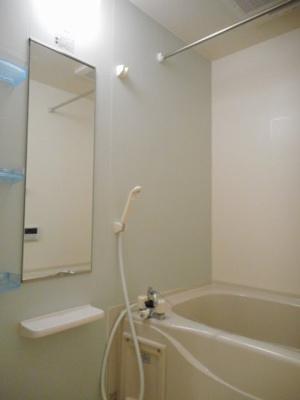 【浴室】ブランドーレB