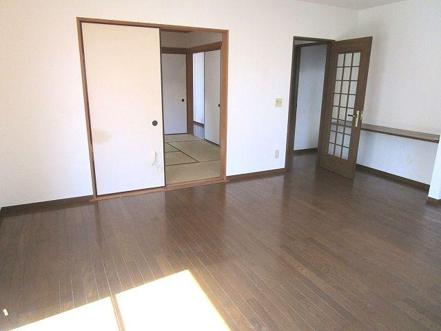 【居間・リビング】西区生松台3丁目戸建