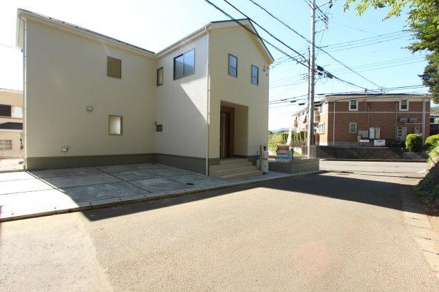 秦野市東田原第5 全2棟、1号棟。現地完成いたしました。お客様のご都合に合わせてご案内出来ますので、お気軽にお問合せくださいませ。