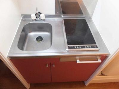 電気コンロのキッチンです