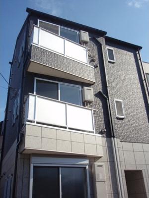 京急空港線「大鳥居駅」より徒歩3分の駅近アパートです。