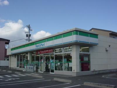 ファミリーマート鈴鹿岡田店まで338m