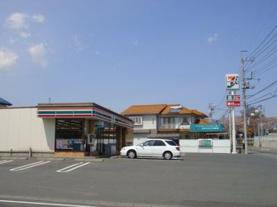セブンイレブン箕郷上芝店まで1,063m