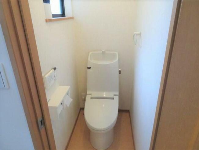 清潔感のあるトイレ~温水洗浄便座付き