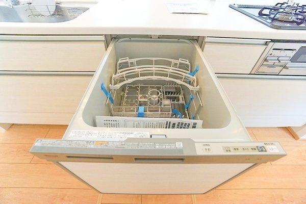 奥様も喜ぶ食洗機付きです!充実の設備