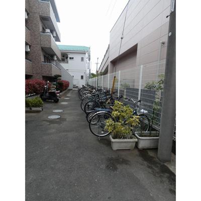 駐輪スペース(各世帯1台)