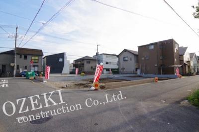 【前面道路含む現地写真】1号棟 リーブルガーデン 越谷市東越谷8丁目 新築戸建て 全4棟