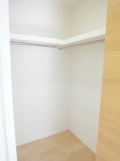 洋室クローゼット施工例です。