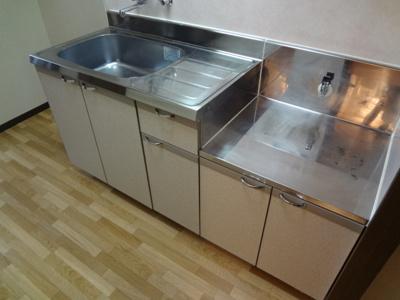 【キッチン】ピアチューレ